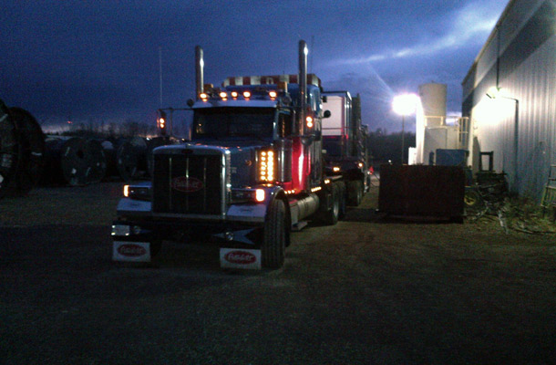 truck night far